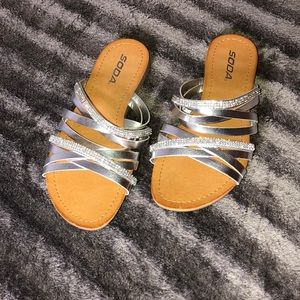 Women's Sandals Size 7 1/2 (US)